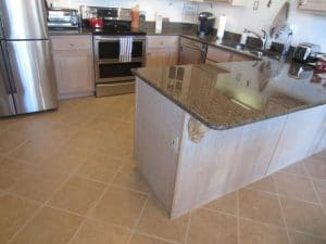 Before Pic of remodeled kitchen peninsula